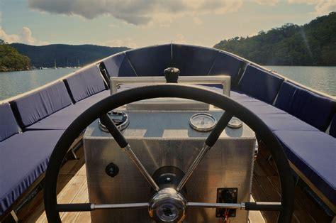 boat around sydney cruising around sydney with lekker boats