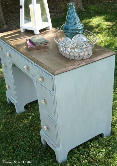 Diy Painted Desk Best 20 Desk Makeover Ideas On Desk Redo Repurposed Desk And Vintage Desks