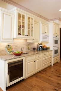 cream color kitchen cabinets 17 best ideas about off white cabinets on pinterest off