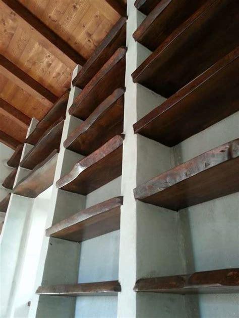 libreria in muratura foto libreria in muratura e legno di cedro europeo di