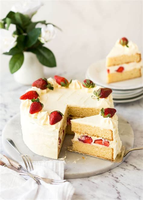 Best 25  Vanilla sponge ideas on Pinterest   Vanilla