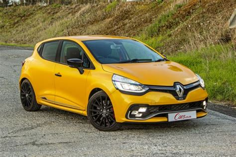 renault clio sport 2017 renault clio rs 220 edc trophy 2017 review cars