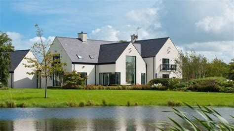 golfer rory mcilroy puts northern ireland home on market