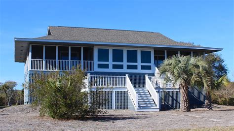 clubhouse feel 4 bedroom sleeps 10 and up to 12 houses great location walk to beach club screened vrbo