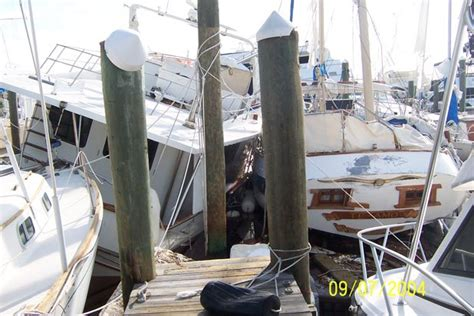boat lift hurricane preparation boat hurricane preparation the dos and don ts boatus