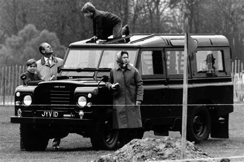 ranger defender brothers of company b books look land rover to end production of the iconic defender