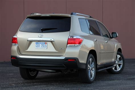 2011 toyota highlander review photo gallery autoblog