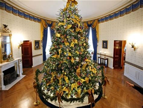 christmas tree house the obamas hacky tacky white house christmas tree nice deb