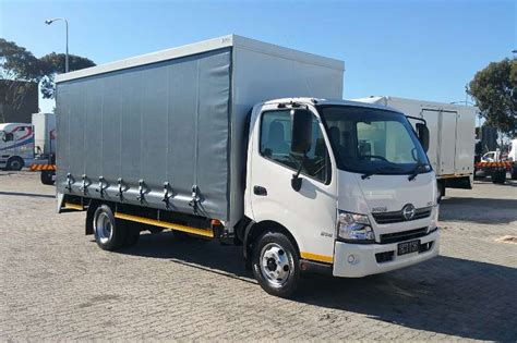 curtain side truck for sale 2017 hino hino 300 814 curtain side curtain side truck