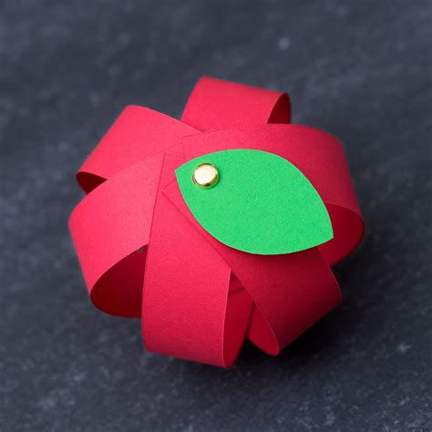 easy paper apple craft for