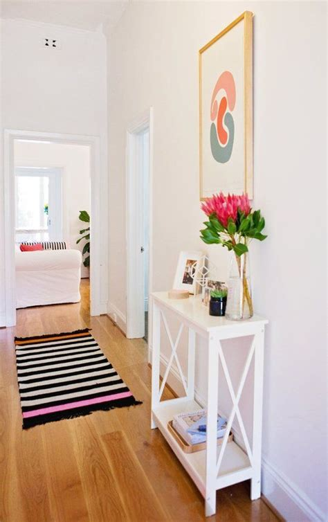 small hallway decor ideas 25 best ideas about small hallway decorating on pinterest