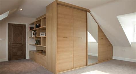 Wo Kleiderschrank Kaufen by Begehbarer Kleiderschrank Unter Dachschr 228 Ge Ideen Und