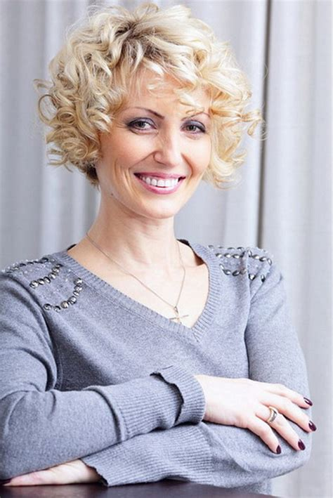 elderly frizzy hair styles short curly hairstyles for mature women
