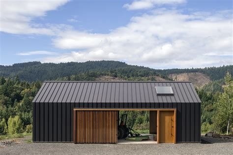 elk valley tractor shed fieldwork design architecture