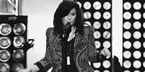 demi lovato heart attack türkçe putting my defences up