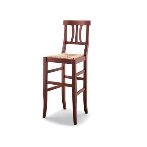 sgabello arte povera sgabello arte povera in legno con sedile paglia massello