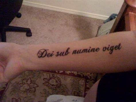 sub tattoo dei sub numine viget
