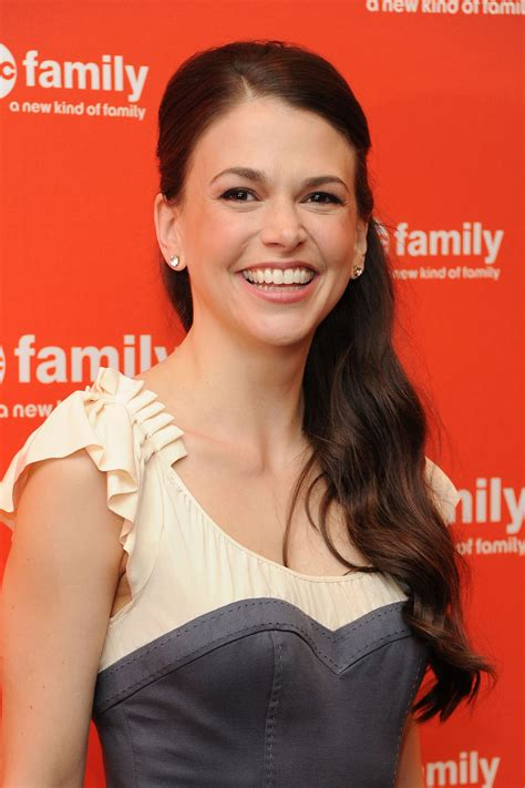 bunheads sutton foster to star in tv land s darren star