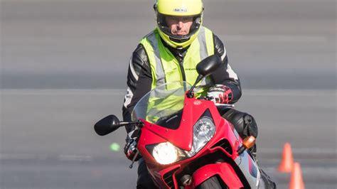 Motorradfahren Wiedereinstieg by Was Motorrad Wiedereinsteiger Beachten Sollten Auto News