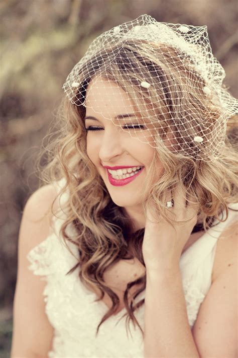 Wedding Hairstyles With Birdcage Veils Hair by How To Put On A Birdcage Wedding Veil On With Hair