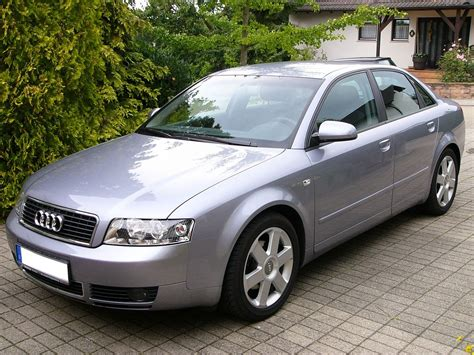 Audi A4 Baujahr 2004 by Audi A4 B6 вікіпедія