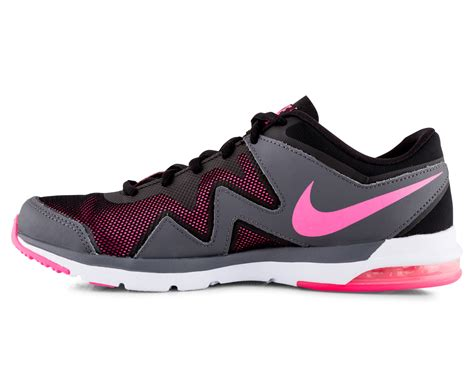 Tr Goes Pink It Or It by Nike S Air Sculpt Tr 2 Shoe Black Pink Pow