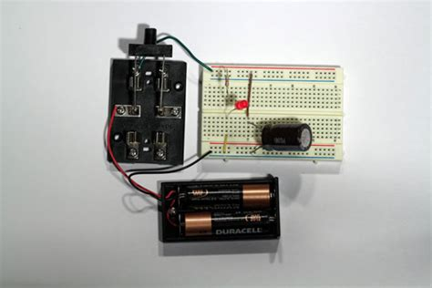 discharge capacitor on board electronics projects charging and discharging a capacitor dummies