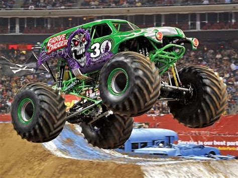 grave digger monster truck games monster trucks jeu playstation images vid 233 os astuces