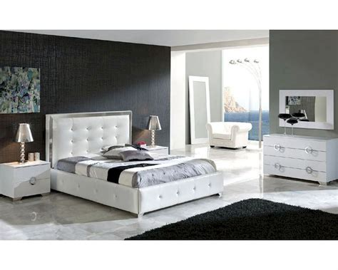 modern white bedroom modern bedroom set valencia in white made in spain 33b241