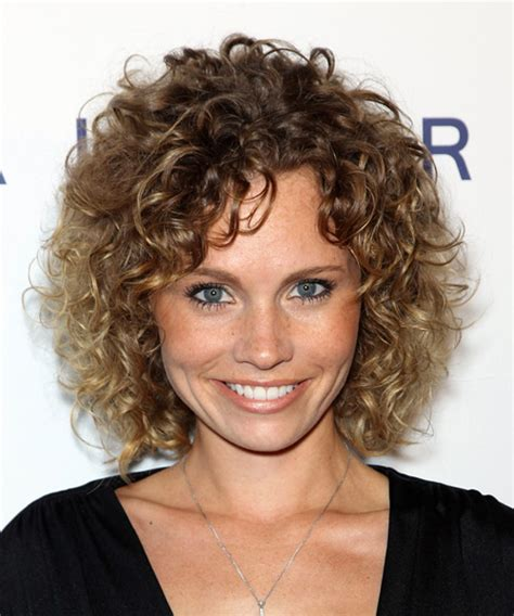 hair length to elongate the face katie cooper medium curly casual hairstyle medium brunette
