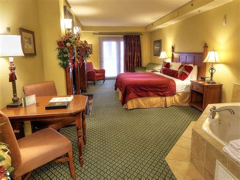 Superior Christmas Place Hotel Pigeon Forge Tn #7: King-mini-suite.jpg