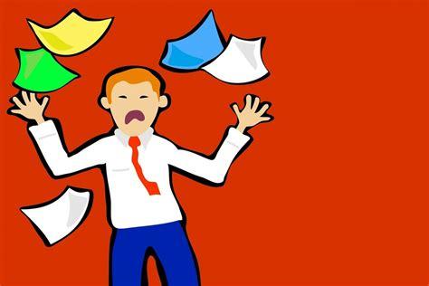 senso di oppressione alla testa stress da lavoro sintomi cause e rimedi