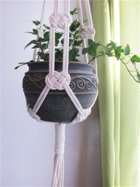 How To Macrame A Plant Hanger - best 25 plant hangers ideas on plant hanger