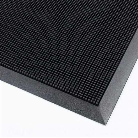 rubber bristle mat