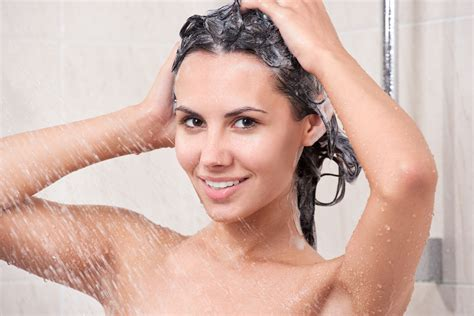 Washing Your In The Shower by How To Wash Your Hair In The Right Way