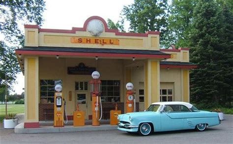 Fuel Garage Near Me by Best 25 Filling Station Ideas On Petro Gas