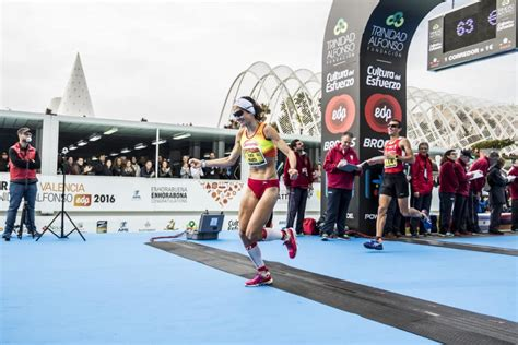 the marathon we live for a personal best in with type 1 diabetes books valencia marathon launches once more the personal best