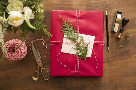 s day secret gift exchange best secret santa picker websites popsugar australia tech