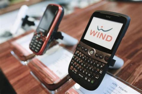 wind mobile cell phones the end draws near for wind mobile dashboard yahoo