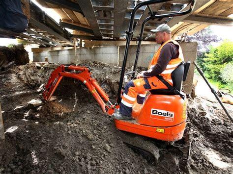 escavatore da giardino noleggiare miniescavatore miniescavatori noleggio boels