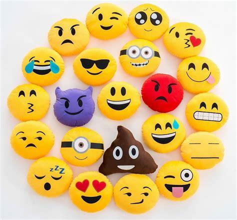 imagenes de emoji de whatsapp emoticones emoji emotion caritas de whatsapp 35x35cm cojin