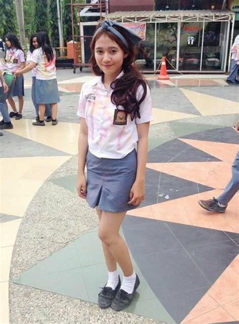 Kaos Kaki Anak Smp Sma Perempuan 5 gaya seragam cewek kekinian yang paling rawan kena tilang