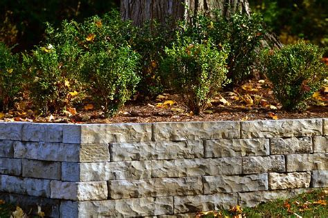 retaining wall benson stone  rockford il