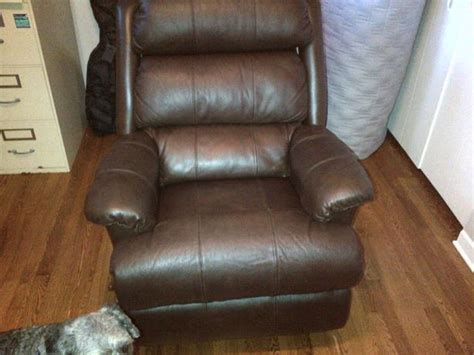 lazyboy leather recliner brand new leather lazy boy recliner with swivel bottom