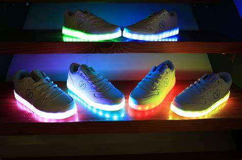 la light up shoes la ropa led y el auge de la moda light up