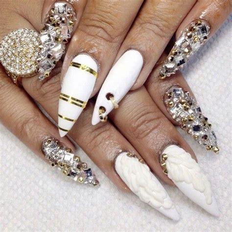 3d Wedding Nails W Rhinestone Kuku Palsu Nail Wd0002a white gold stiletto acrylic nails w rhinestones nails 2 gold stilettos