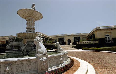 russian mogul buys donald trump s palm beach home for 95 why did a russian pay 95m to buy trump s palm beach
