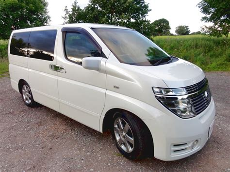 japanese nissan nissan elgrand 3 5 4wd andrew s japanese cars