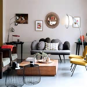 salon moderne mixant les styles