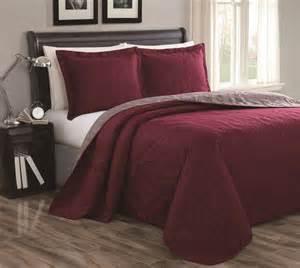cressida burgundy taupe reversible bedspread quilt set king
